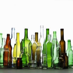 Novità nella raccolta differenziata: il vetro si riciclerà anche per colore
