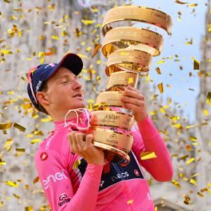Il Giro del Touring 2020, l'ultima tappa: il trionfo di Tao Geoghegan Hart, l'inglese dal nome impossibile
