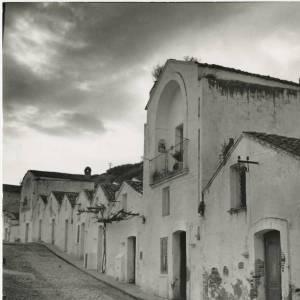 Basilicata: un viaggio nel tempo perduto con le foto del nostro archivio