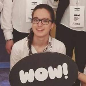 """Anche Martina, volontaria in un evento Touring, tra i 29 """"ragazzi modello"""" scelti dal presidente Mattarella"""