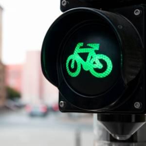 """""""Insieme sulla strada si può"""": una convivenza possibile tra auto e bici"""