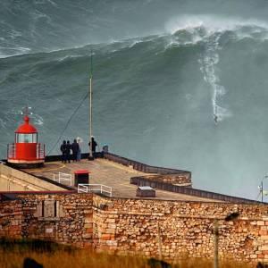 A Nazaré, il paese delle onde più alte del mondo