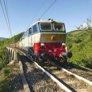 Torna il Porrettana Express: da Pistoia alla scoperta degli Appennini a bordo di treni d'epoca