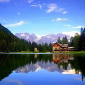 Cinque rifugi aperti per un weekend d'autunno in Trentino