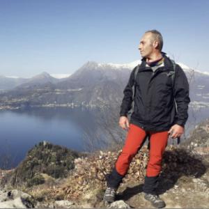 Enrico Brizzi ha percorso il Sentiero del Viandante, sul lago di Como: ecco com'è andata