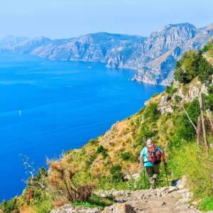 Cinque trekking vista mare da fare in Italia