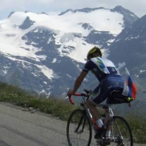 Un'impresa da pionieri: 1500 km in bicicletta, tra le Alpi e la pianura