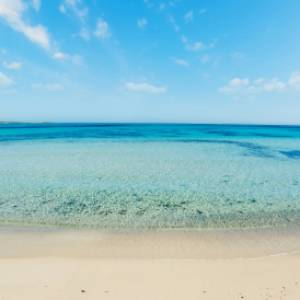 Stintino, dalla prossima estate asciugamano vietato in spiaggia?