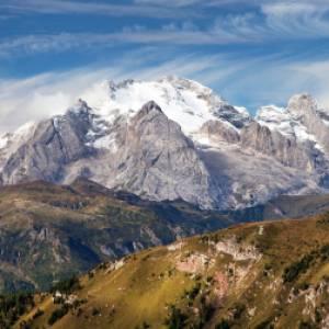 Ma la Marmolada è in Veneto o in Trentino? L'acceso dibattito sulla linea di confine