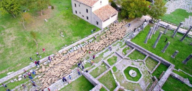 La transumanza, l'alpinismo e la perdonanza celestiniana entrano nei Patrimoni immateriali dell'Unesco