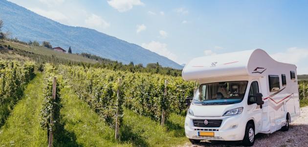 Autunno in camper: oltre 50 Donne del Vino offrono soste gratuite nei vigneti e propongono degustazioni e visite guidate