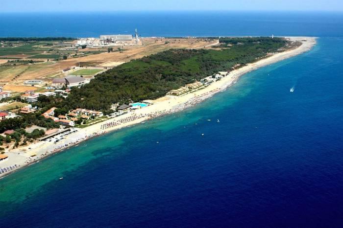 Le spiagge pi belle della calabria dal crotonese all for Costo della costruzione della casa sulla spiaggia