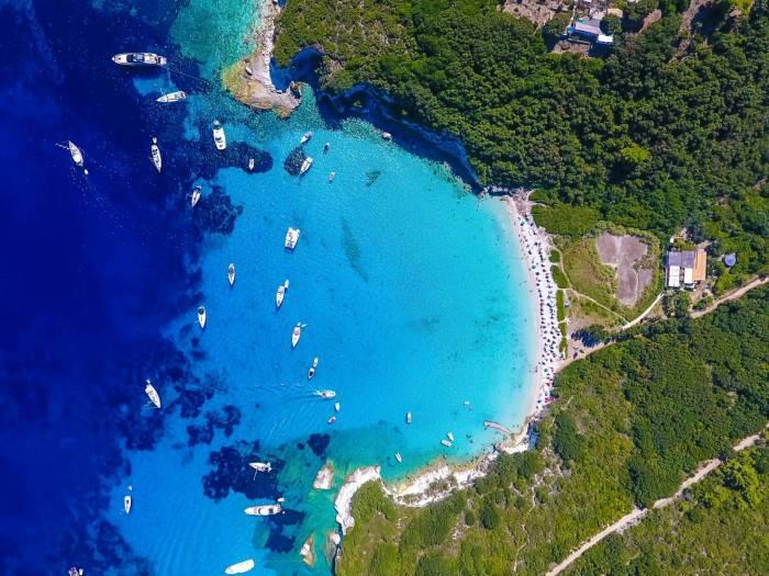 Dieci motivi per andare a Corfù e Paxos, dove lo Ionio è più blu