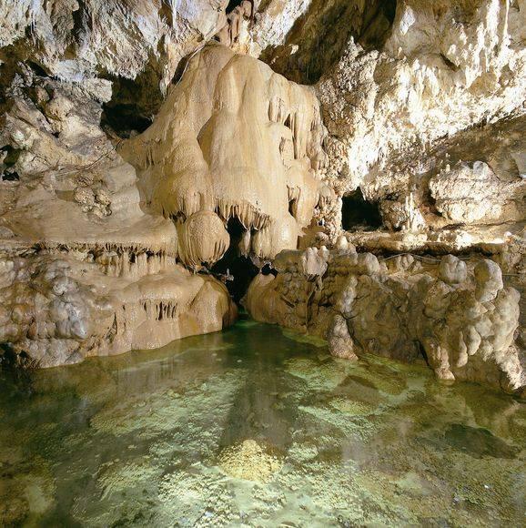 grotte da visitare in italia ecco le 10 pi belle