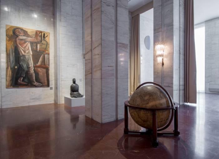 Le visite porteranno alla scoperta di tre piani (vedi sotto per i  dettagli). Al primo piano si trovano sculture opere di artisti come Mario  Sironi f5e24f24fa7