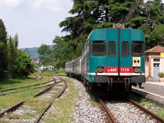 Ferrovie turistiche: via libera a treni slow e ferrocicli