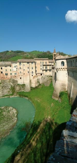 """""""Il Duca torna a casa"""": a Urbania per un capolavoro di Tiziano e un itinerario marchigiano"""