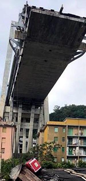 Un ponte può unire anche quando crolla