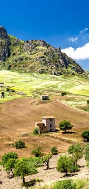 In camper in Sicilia, che sorpresa l'entroterra agrigentino